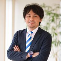 取締役/セールスDiv セールスマーケティングループ ゼネラルマネージャー :福本隆太
