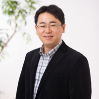 代表取締役副社長:長谷川浩司